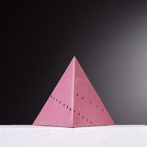 Lucio Fontana, Skulptur Piramidi